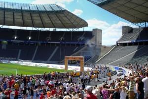 Zieleinlauf im Olympiastadion (Foto: M. Splittgerber)
