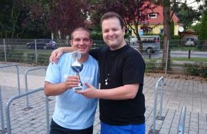 Turnlierleiter mit Turniersieger
