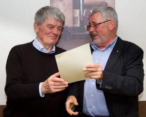 Urkunde für das 600. Mitglied (Foto: M. Splittgerber)
