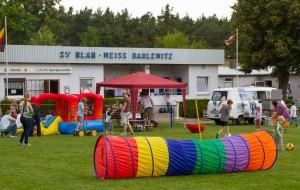 Der Fußballrasen alternativ genutzt (Foto: M. Splittgerber